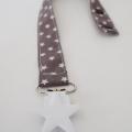 attache-tetine-etoile-gris-pince-étoile-blanche--biomome-2web