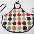 tablier-enfant-cuisine-peinture-ou-repas-pastilles-rouge-kaki-biomome-et-bomino