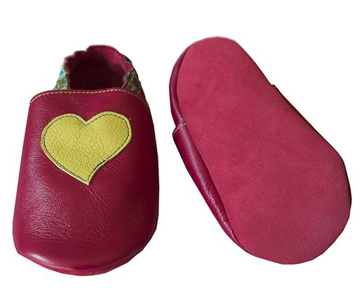 chausson cuir biomome et bomino fuschia coeur anis motif onde pointilliste verte semelle