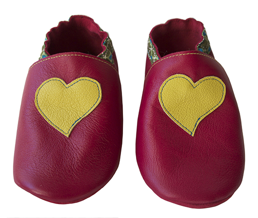 chausson cuir biomome et bomino fuschia coeur anis motif onde pointilliste verte