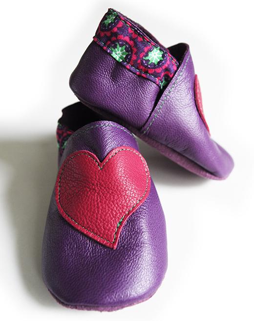 chausson cuir violet coeur fuchsia tapioca fuchsia biomome et bomino detail