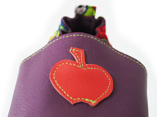 chausson cuir violet pomme corail matriochka biomome et bomino detail