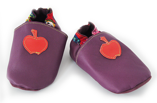chausson cuir violet pomme corail matriochka biomome et bomino face