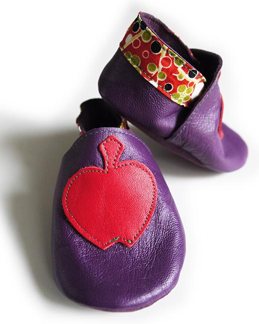 chausson cuir violet pomme rougel japonais rouge biomome et bomino detail