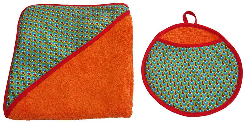 ensemble carre de bain et gant eponge de coton orange biomome et bomino paon vert biais rouge