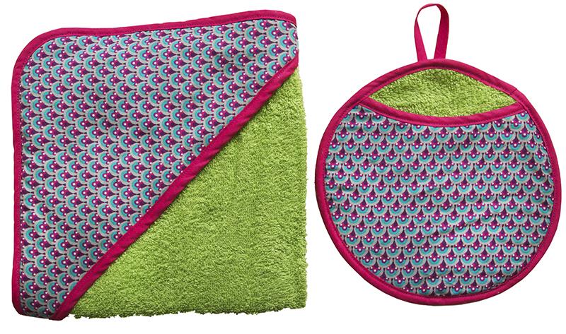 ensemble carre de bain et gant eponge de coton verte biomome et bomino paon lagon biais fuschia