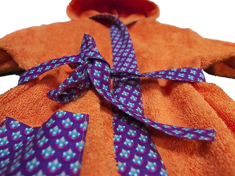 peignoir biomome et bomino eponge de coton orange motif paon violet